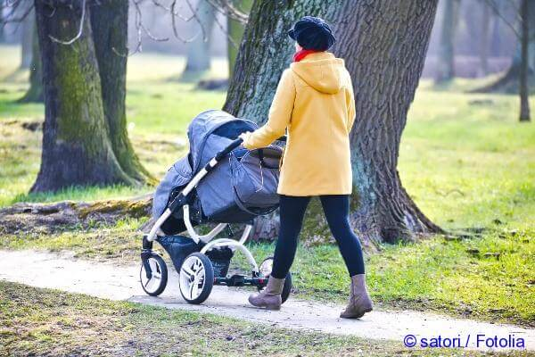 walk with the child during the growth of teeth and temperature