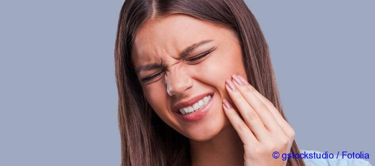after tooth removal your gum hurts what must to do