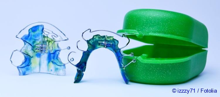 orthodontic plate for teeth leveling